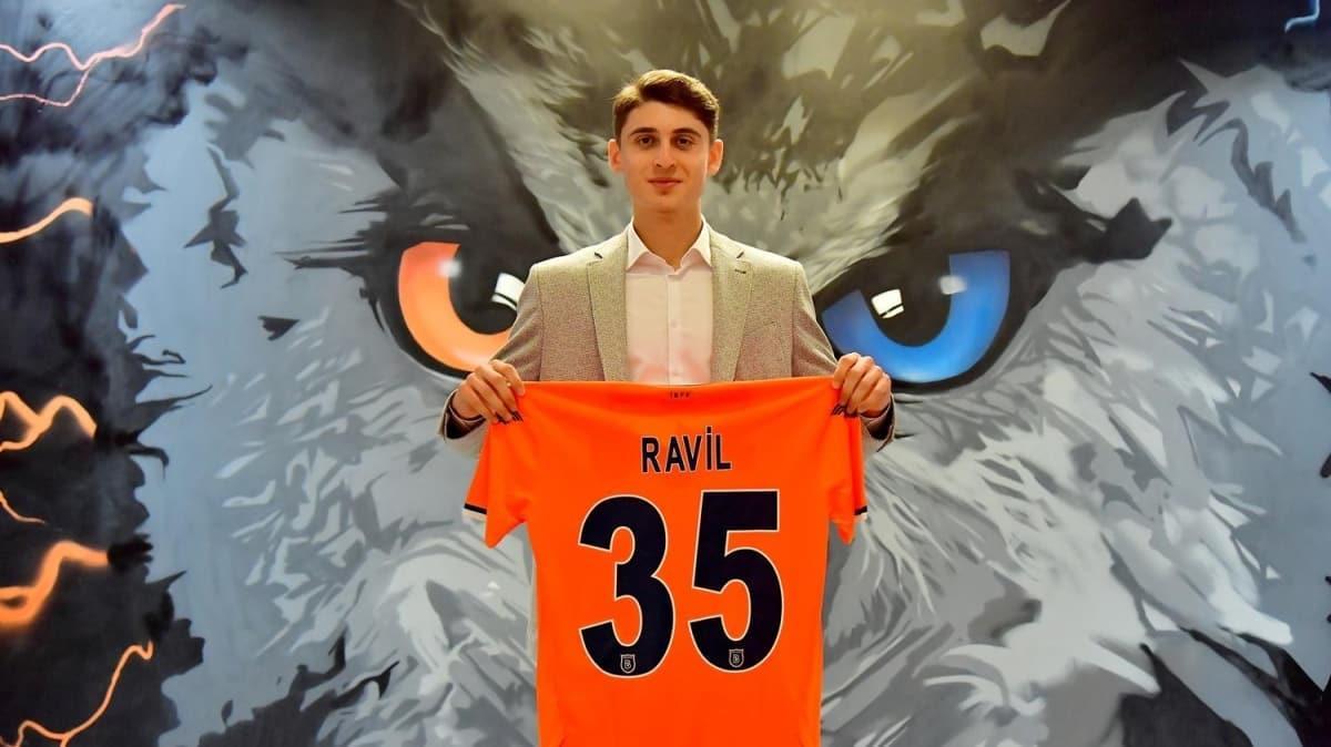 17 yaşındaki Ravil Tagir, Medipol Başakşehir'de