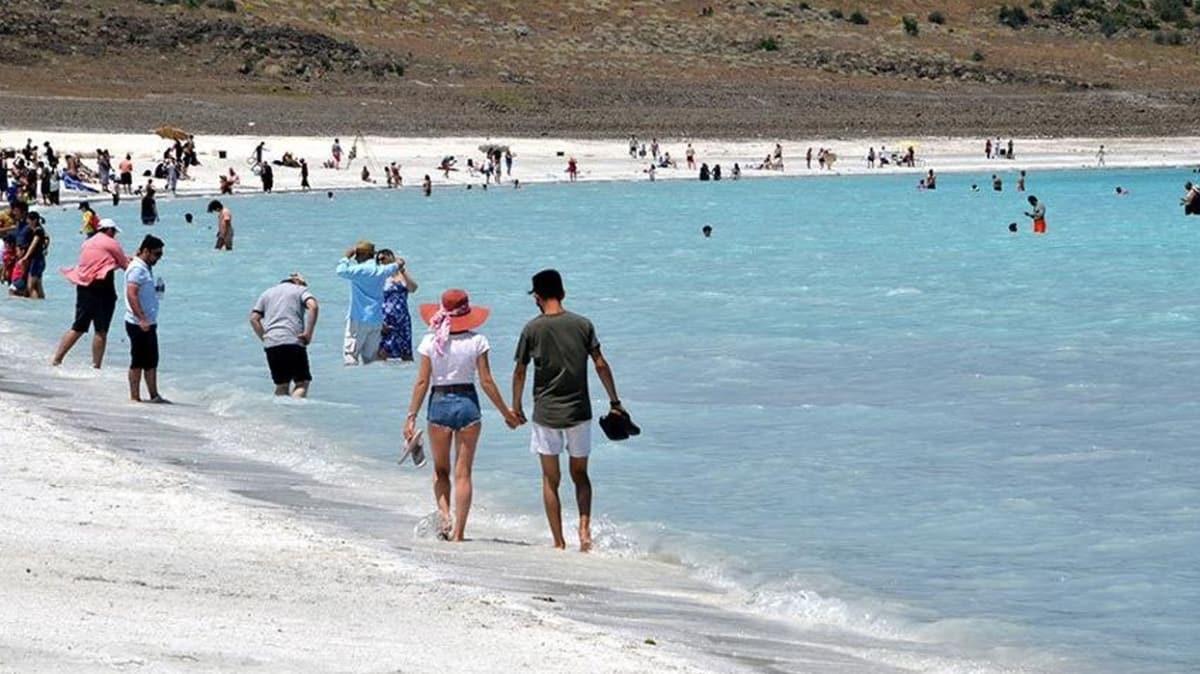 Salda Gölü'yle ilgili yeni karar: 15 Ekim'den itibaren göle girmek yasak