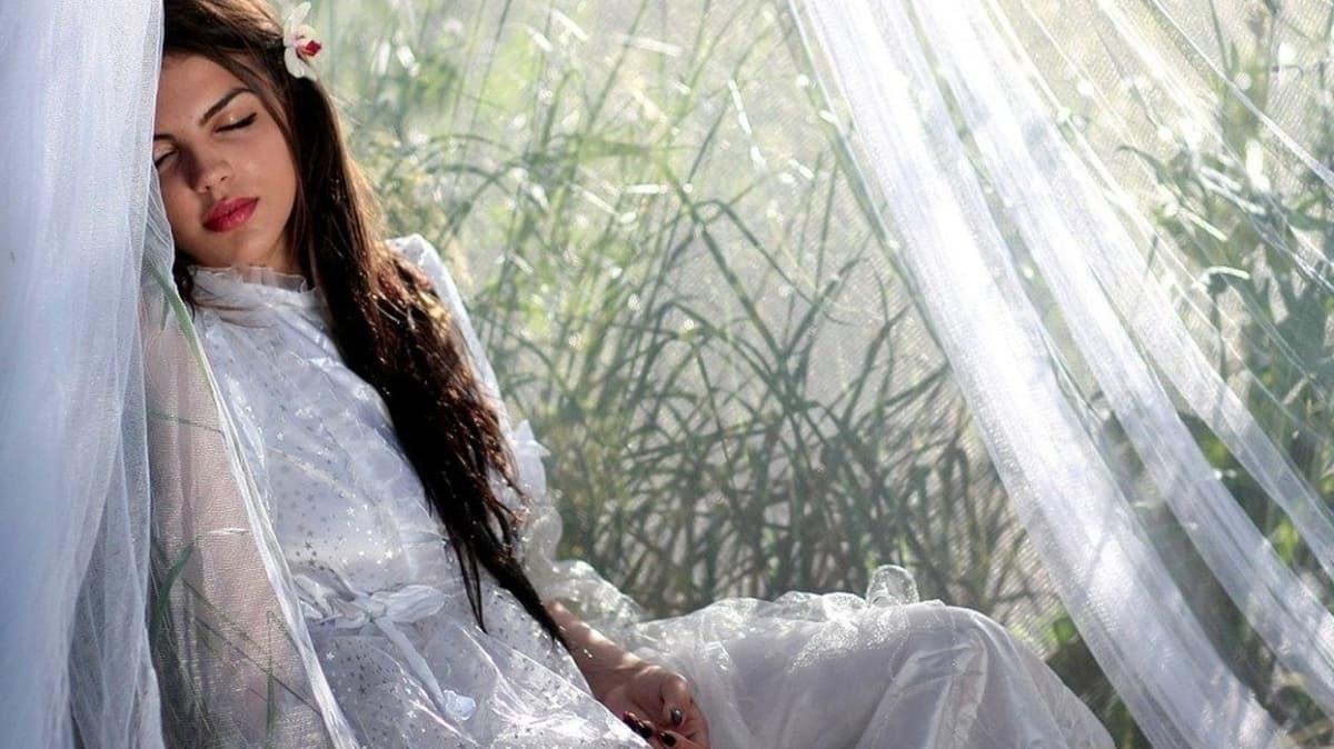 """Rüyada aşık olduğunuz kişiyi görmek başarıya işaret! Rüyada eski sevgiliyi görmek ne anlama gelir"""""""