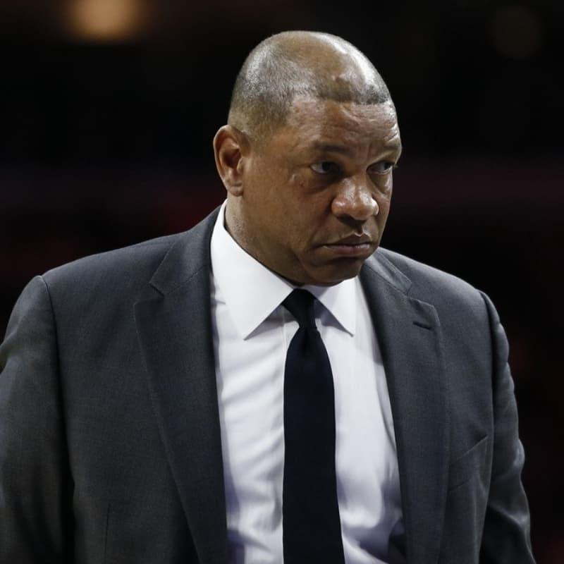 Los Angeles Clippers, Doc Rivers'ı kovuldu