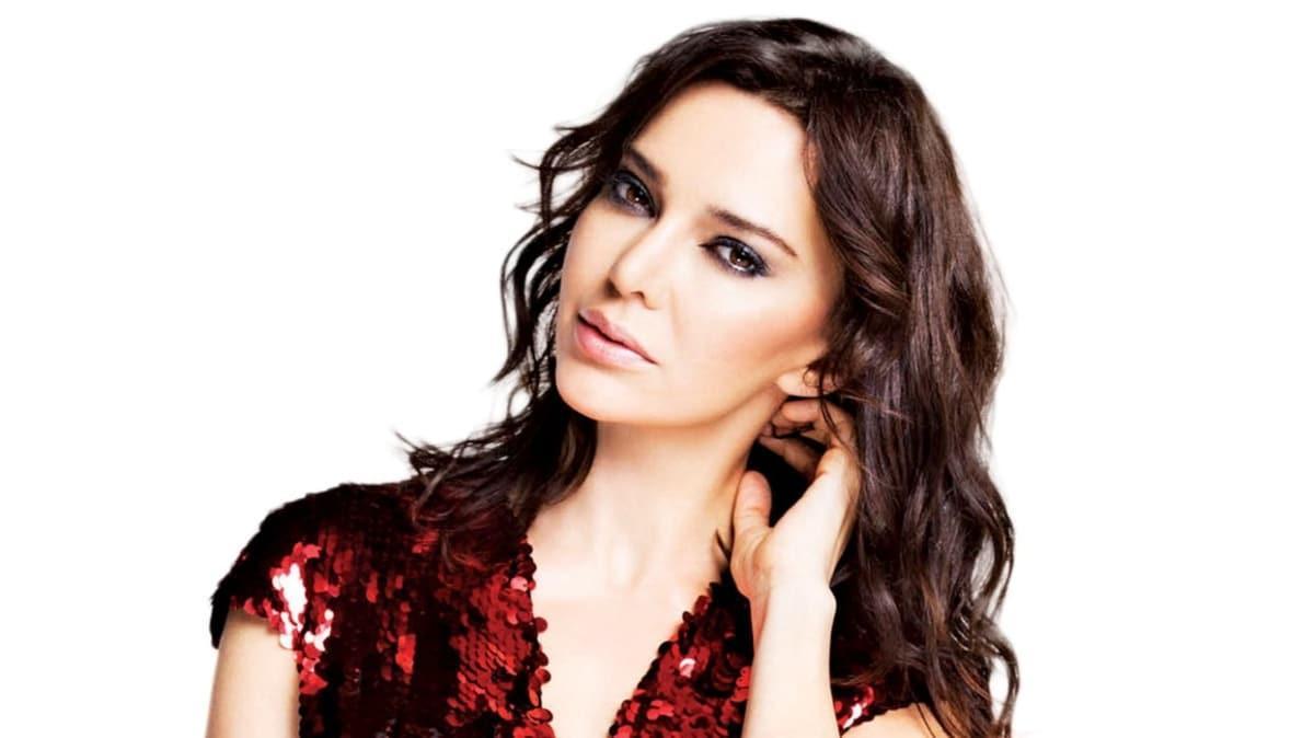 Alya dizisinde rol alan Hande Ataizi'nin set heyecanı