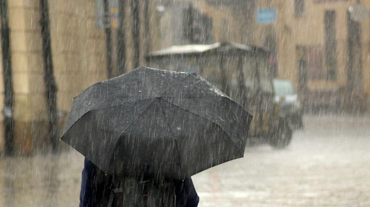 İstanbul'u sağanak yağış ve dolu vurdu