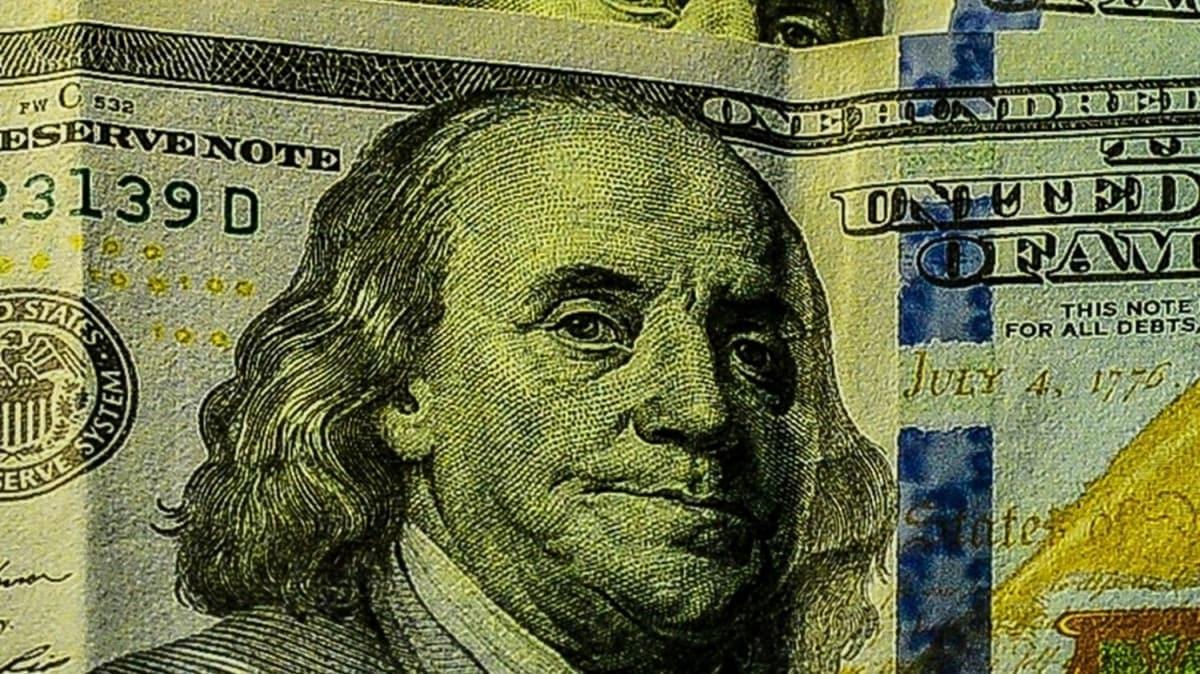 Döviz ve altın alım satım işlemlerinde uygulanan vergi oranları düşürüldü