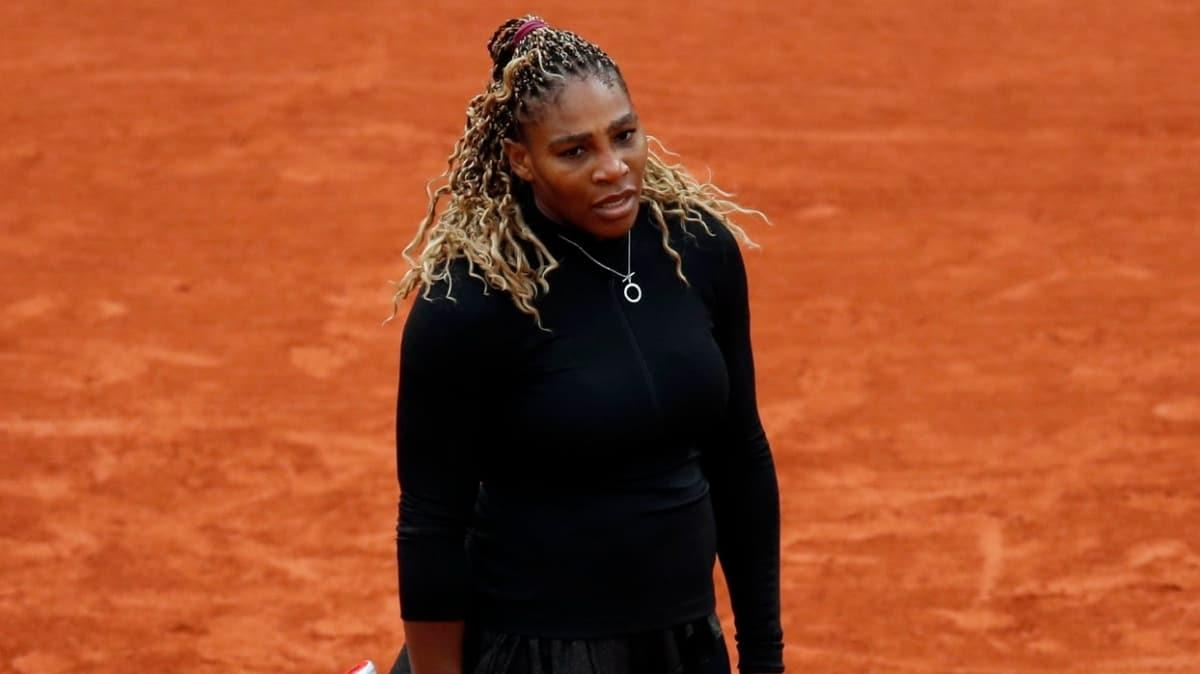 Serena Williams, Roland Garros'tan çekildi