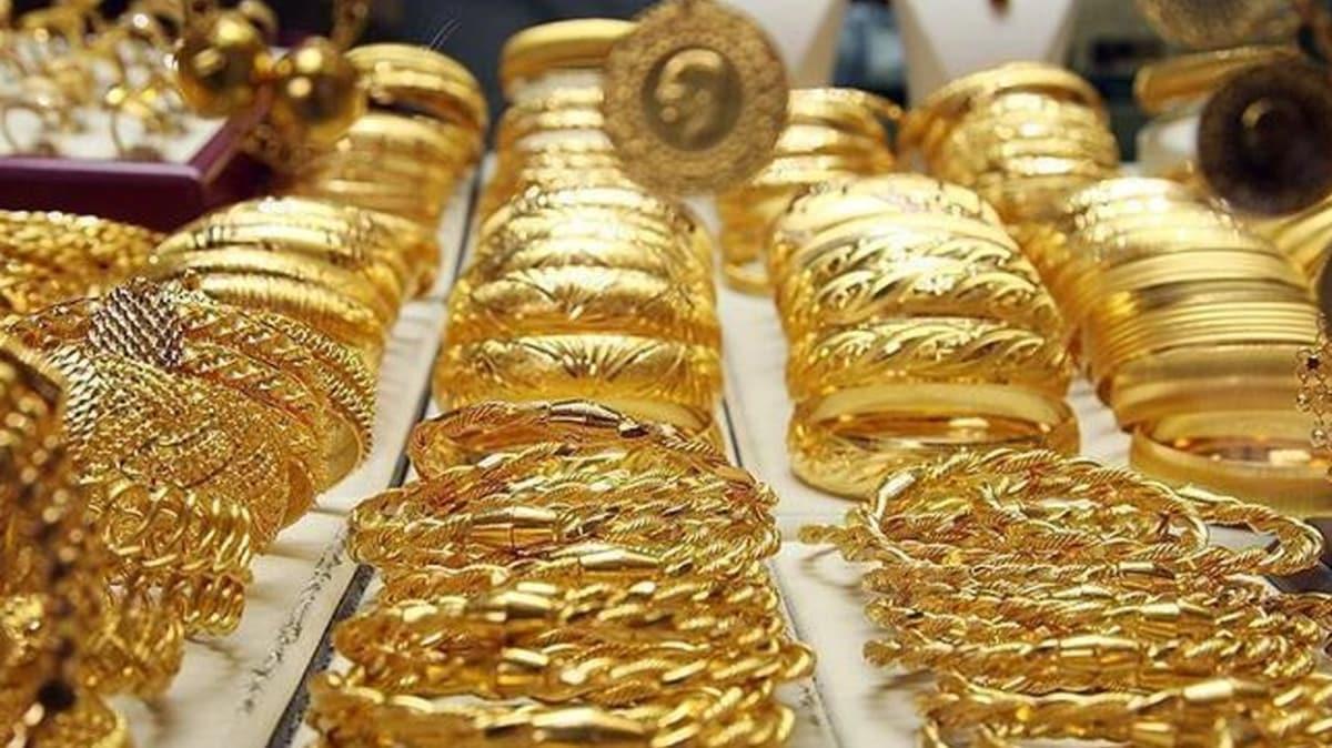 Kapalıçarşı'da altının kapanış fiyatları: Gram altın haftayı düşüşle kapadı