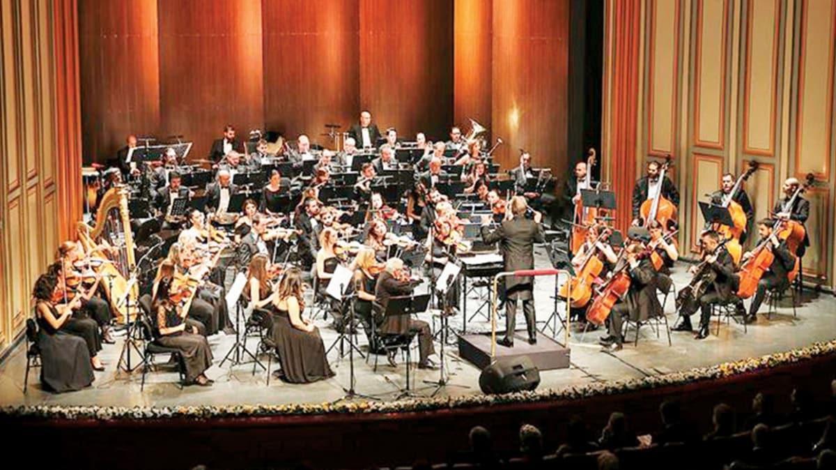Opera sahnesinde dünya şarkıları