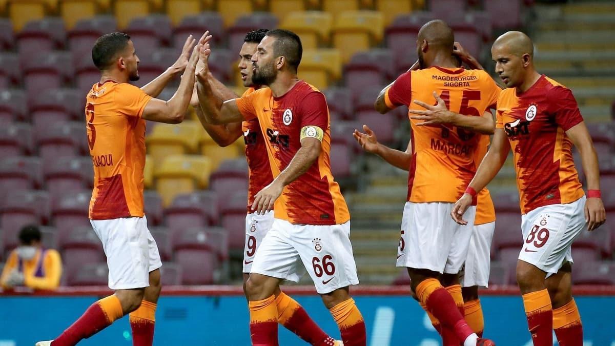 Futbolcular Fatih Terim'e söz verdi