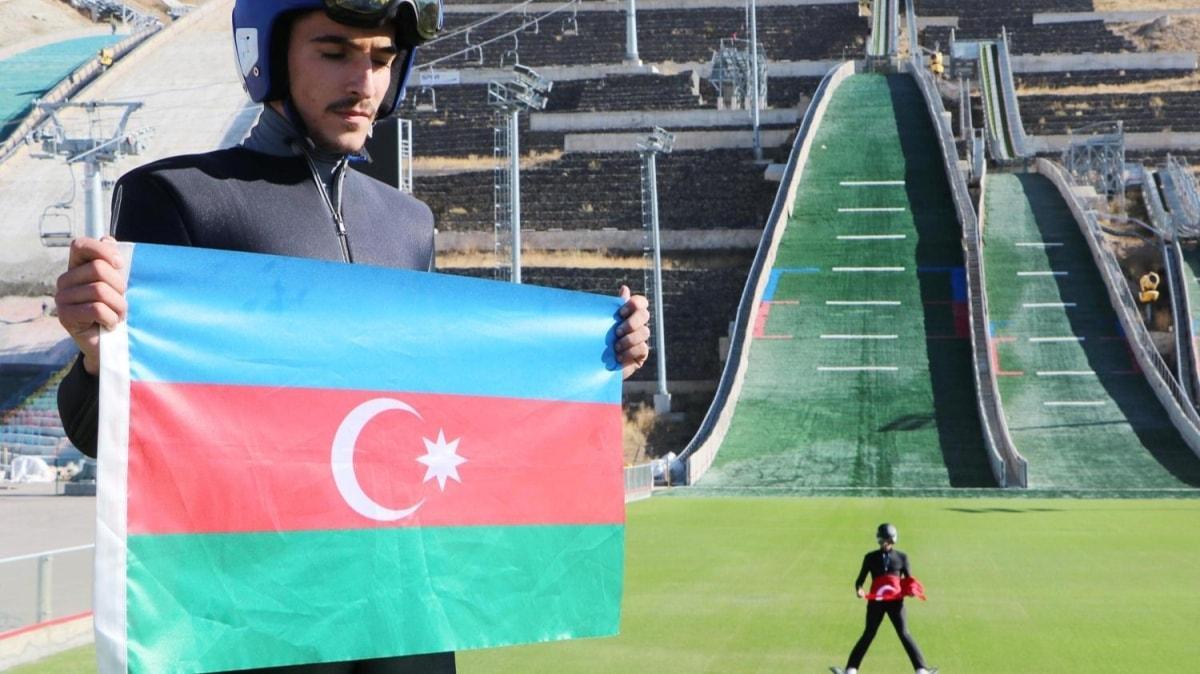 Kayakla Atlama Milli Takımı, Türk ve Azerbaycan bayraklarıyla atladı