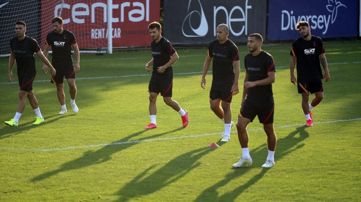 Galatasaray'da indirimi kabul etmeyen 2 futbolcu Belhanda ve Feghouli