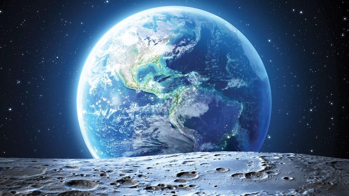 """NASA sordu! Ay'a düşseniz yanınıza ne alırsınız"""""""