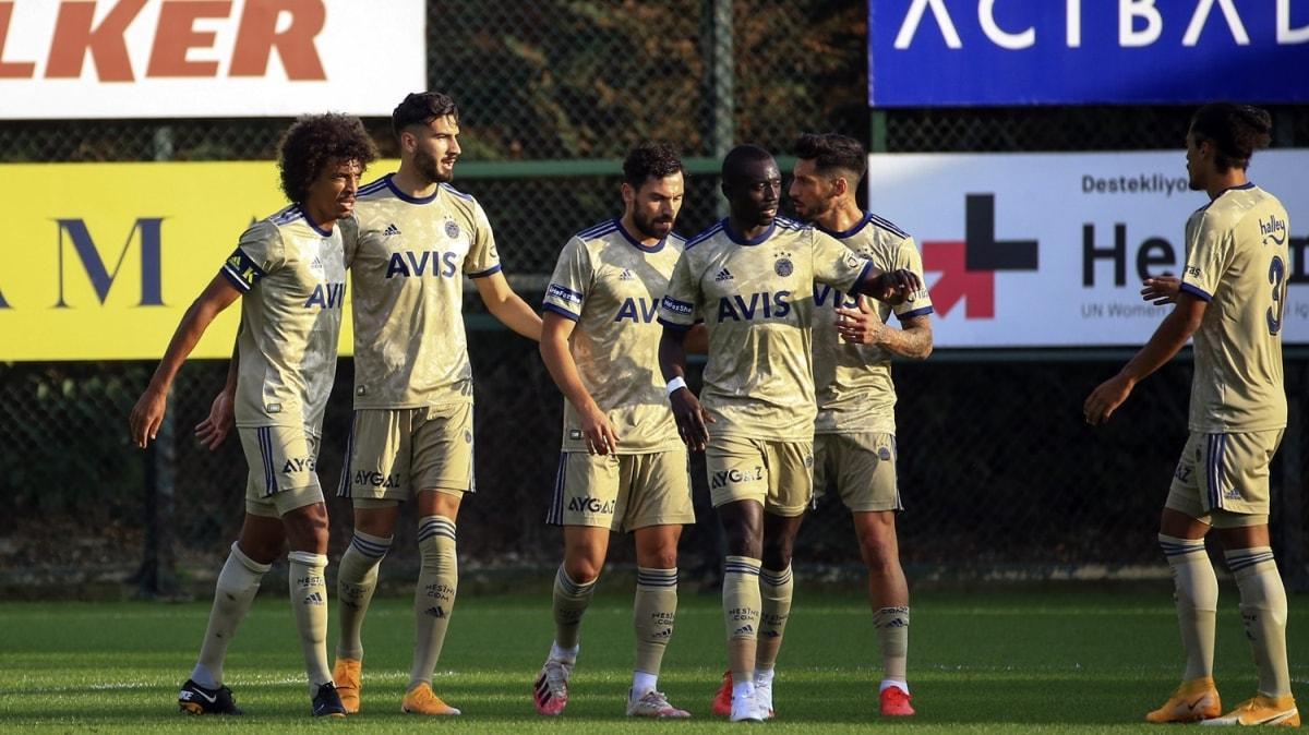 Yeni transferlerin forma giydiği maçta Fenerbahçe 3-2 galip
