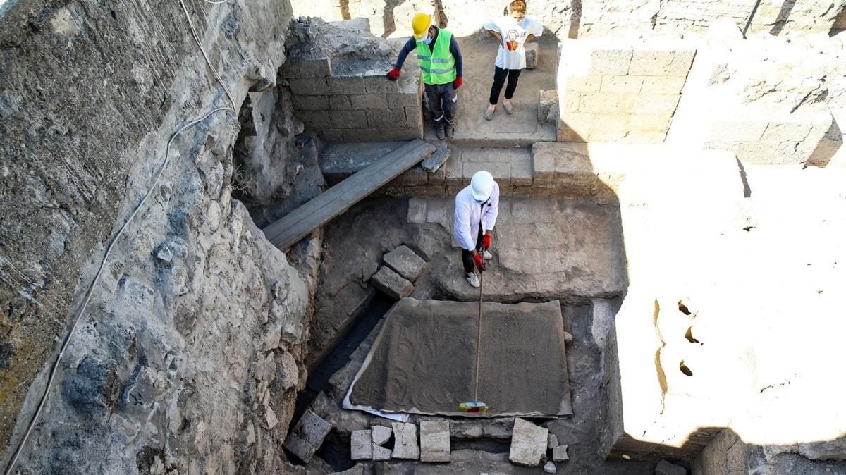 Kazıldıkça tarih çıkıyor: Diyarbakır'da 1800 yıllık kalorifer sistemi bulundu