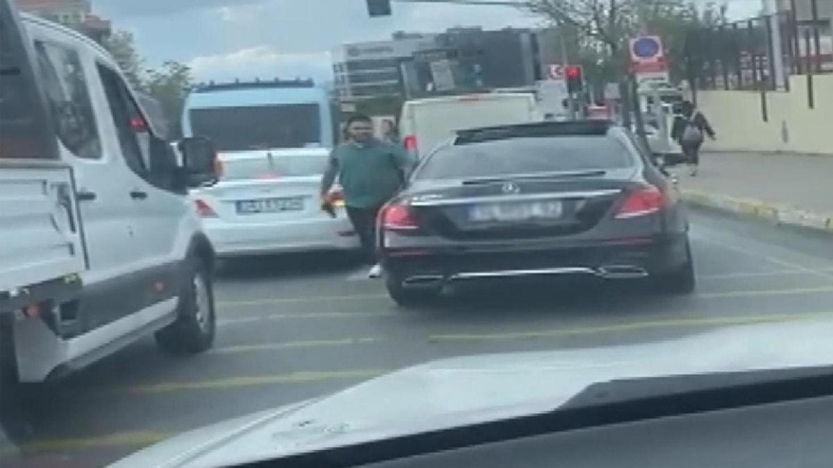 Pendik'te trafikte silah gösteren maganda yakalandı