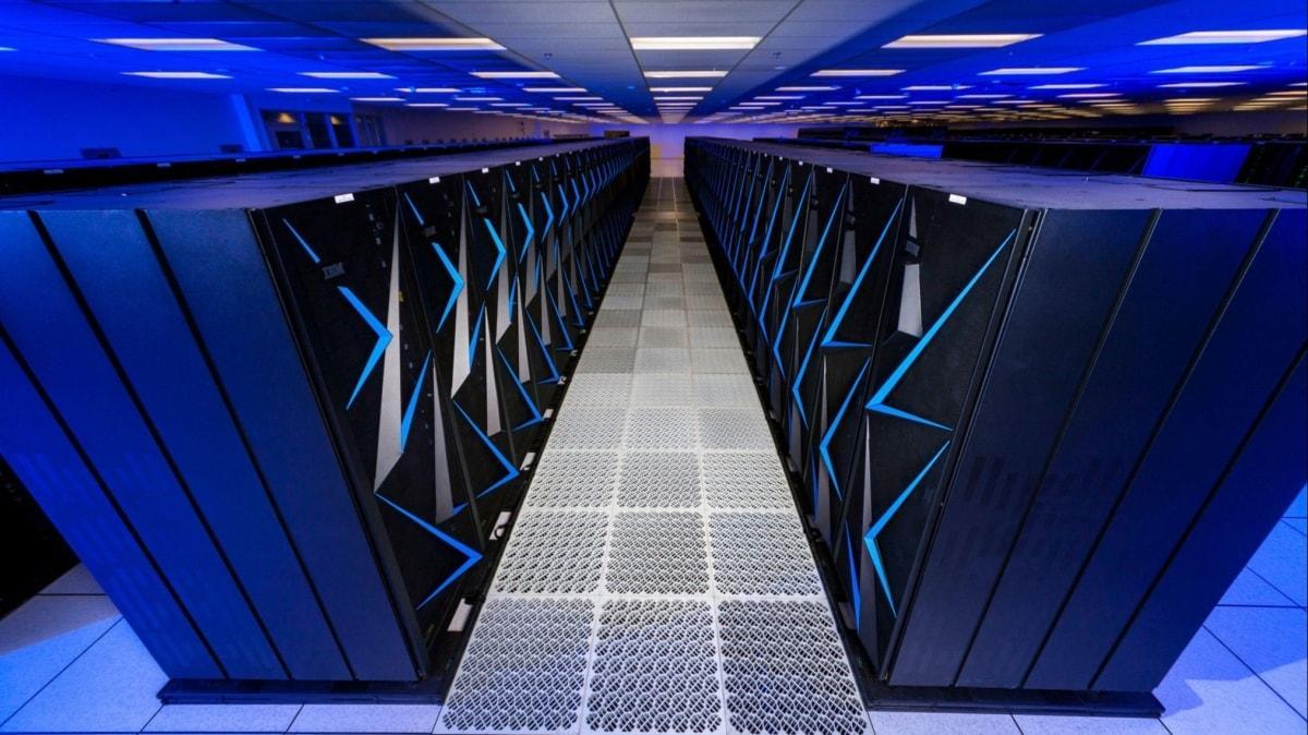Bakan Varank müjdeyi verdi: Türk araştırmacılar süper bilgisayarlara erişebilecekler