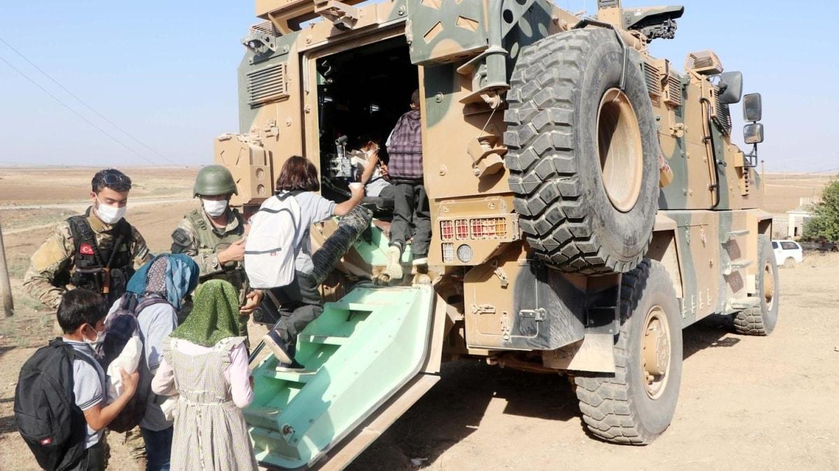 Resulayn'da eğitim başladı: Öğrenciler okullara zırhlı araçlarla taşınıyor