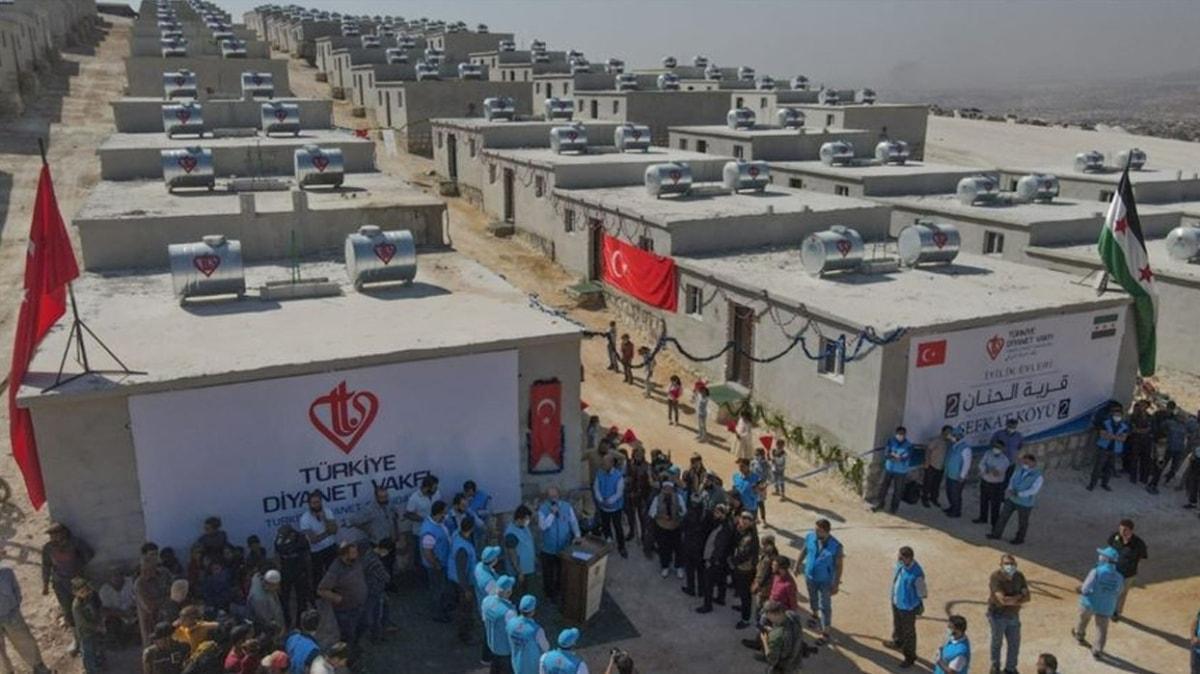 """""""İyilik Konutları"""" projesinin ilk etabı tamamlandı: İdlib'de 600 aile evlerine kavuştu"""