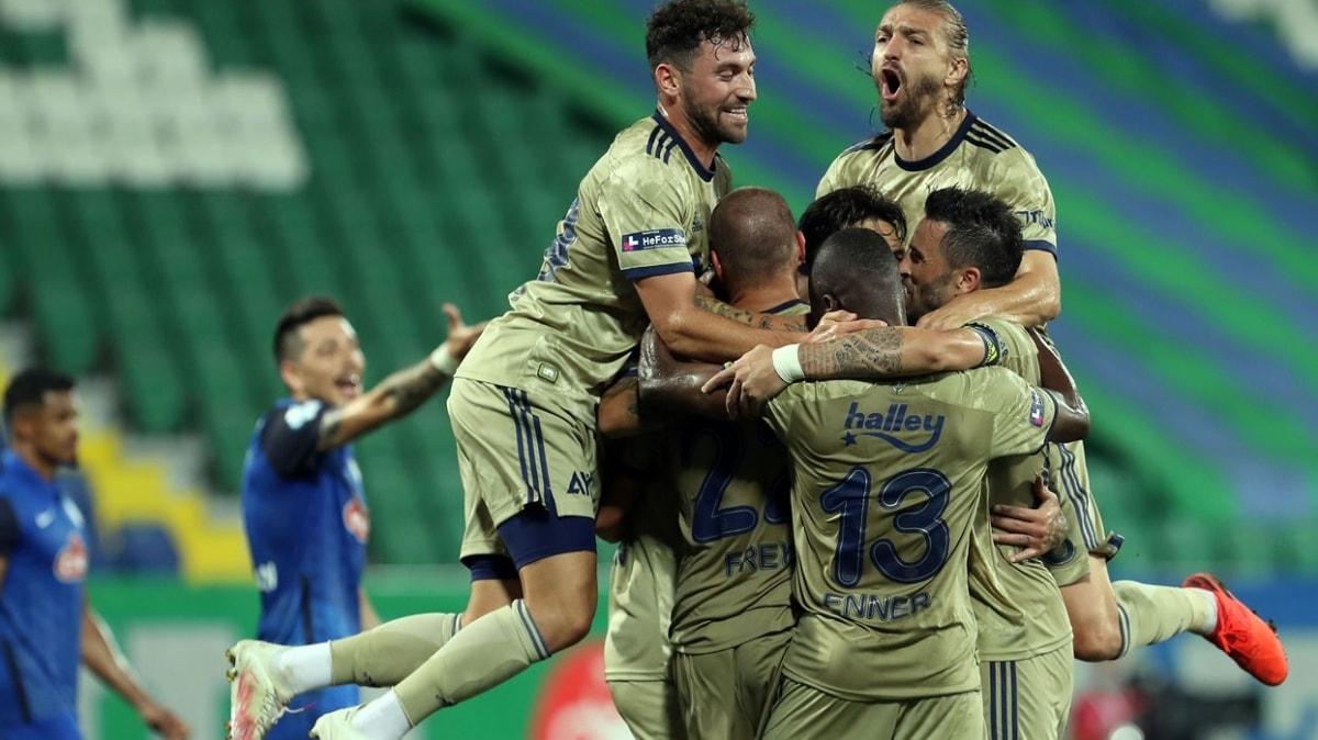 Fenerbahçe'de Sinan Gümüş göz doldurdu