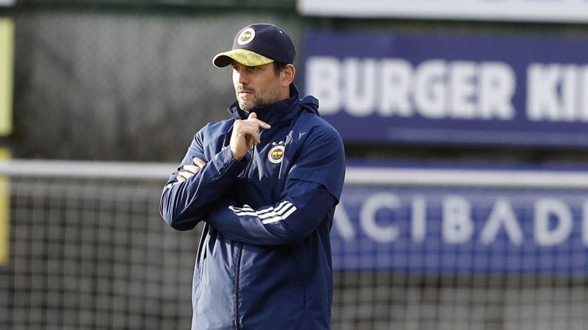 Erol Bulut Fenerbahçe'de oynatmak istediği sistemi ilk kez İstanbulspor maçında uyguladı