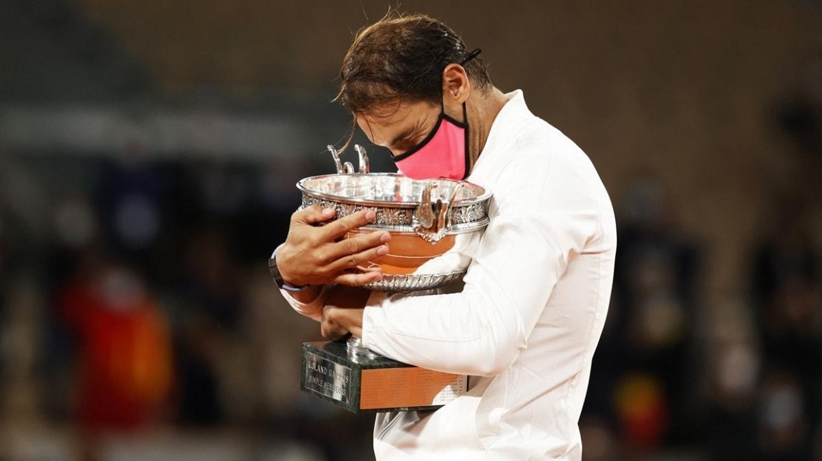 İspanyol hükümetinden Rafael Nadal'a üstün liyakat nişanı