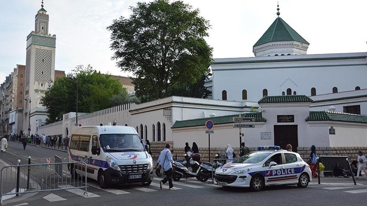 Fransa'da yılbaşından bu yana 73 cami kapatıldı