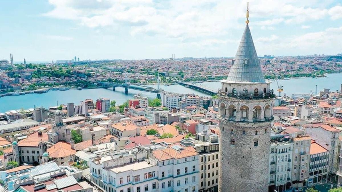 Galata Kulesi'ni bir haftada 16 bin kişi gezdi