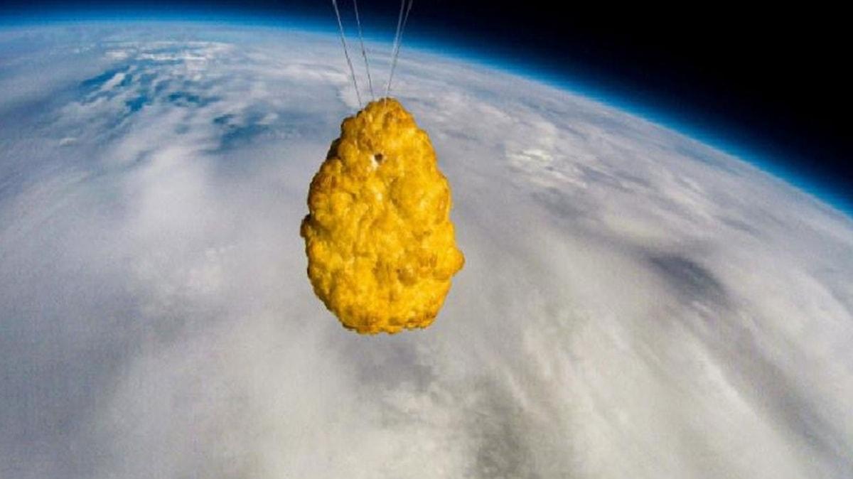 Süper market zinciri uzaya tavuk nugget gönderdi