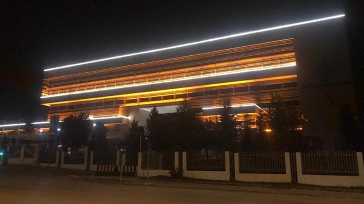 """AYM üyesinin """"Işıklar yanıyor"""" paylaşımına AK Parti'den sert tepki: Utanç verici"""