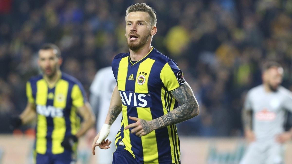 """Fenerbahçe'de Lemos'un yerine kim forma giyecek"""""""