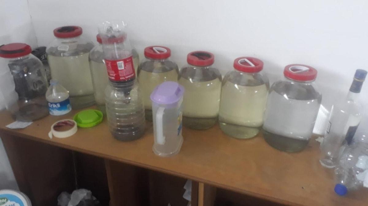 Ankara'da kaçak alkol yapıldığı tespit edilen fabrikaya operasyon: 1 şüpheli gözaltına alındı