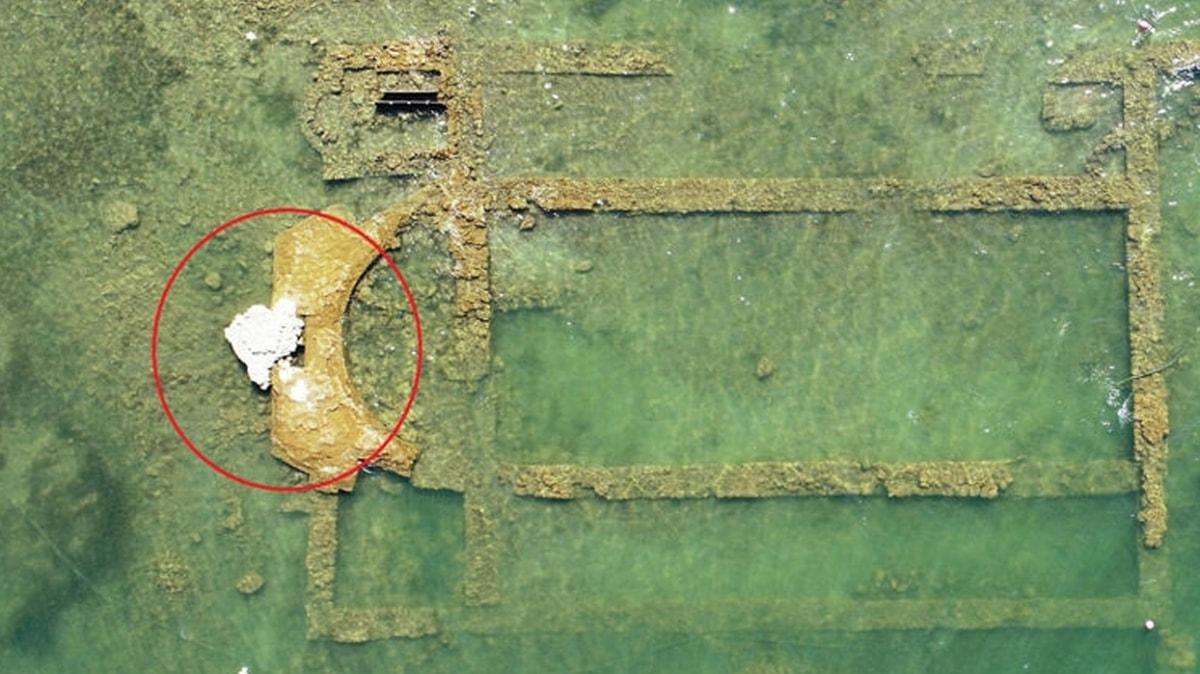 Bursa'da 1500 yıllık batık bazilika göl suları çekilince gün yüzüne çıktı