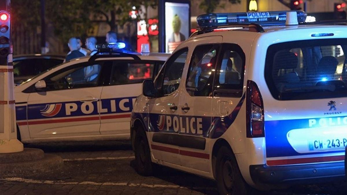 Fransa'da bıçaklı saldırı... Saldırgan vurularak etkisiz hale getirildi
