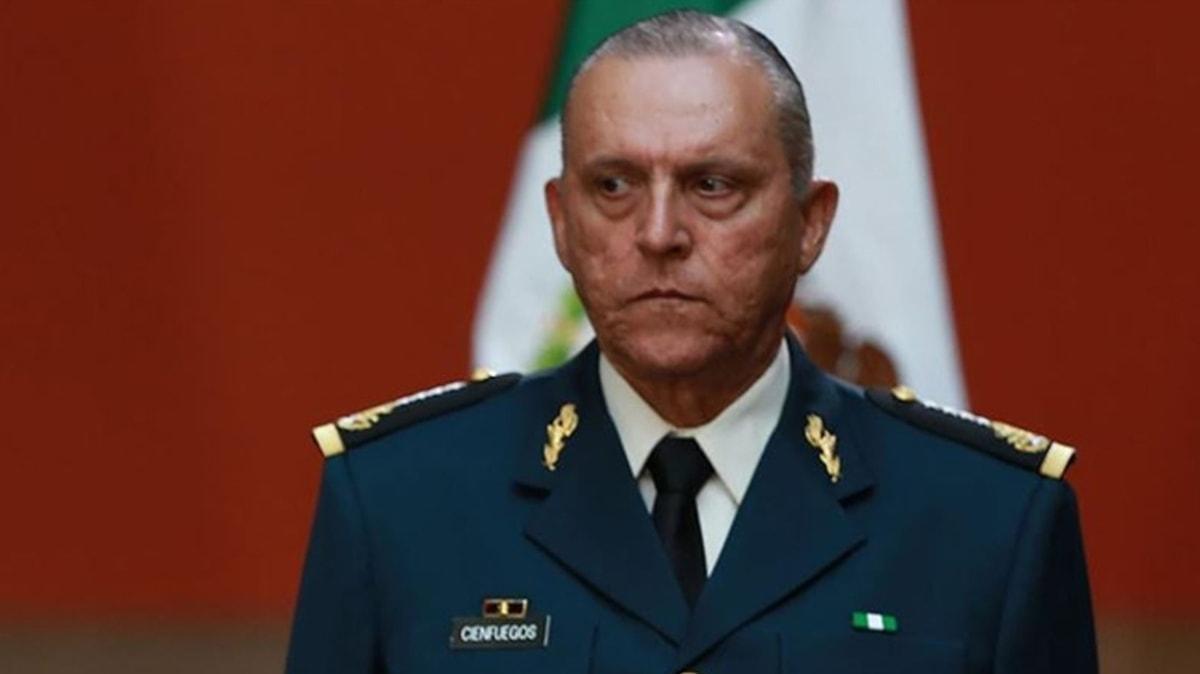 """Meksika'nın eski Savunma Bakanı Cienfuegos, """"uyuşturucu kaçakçılığı"""" suçlamasıyla ABD'de gözaltında"""