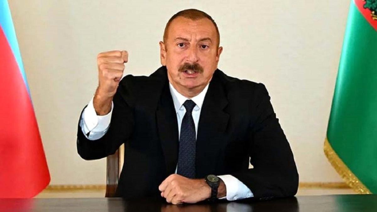 Azerbaycan Cumhurbaşkanı İlham Aliyev duyurdu: Tarihi Hudaferin Köprüsü'ne Azerbaycan bayrağı dikildi