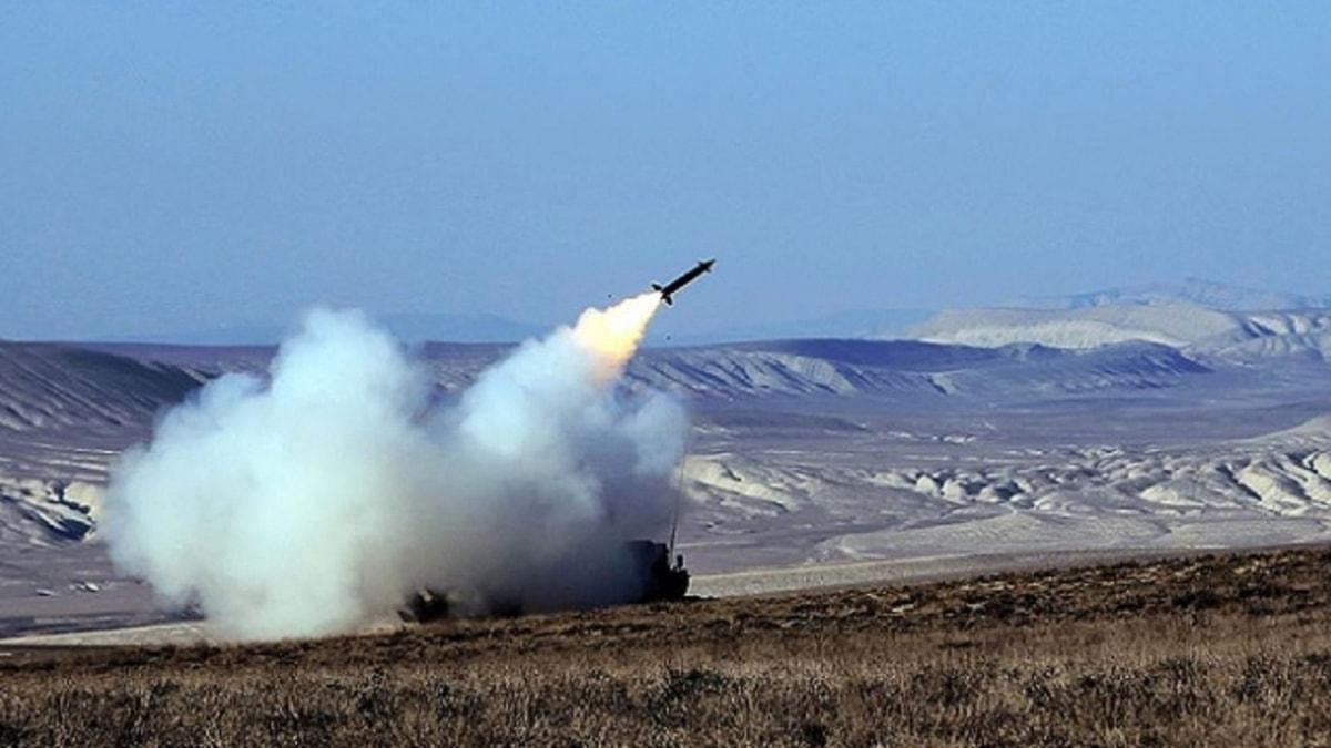 Azerbaycan Savunma Bakanlığı duyurdu: işgalci Ermenistan'ın Su-25 savaş uçağı düşürüldü