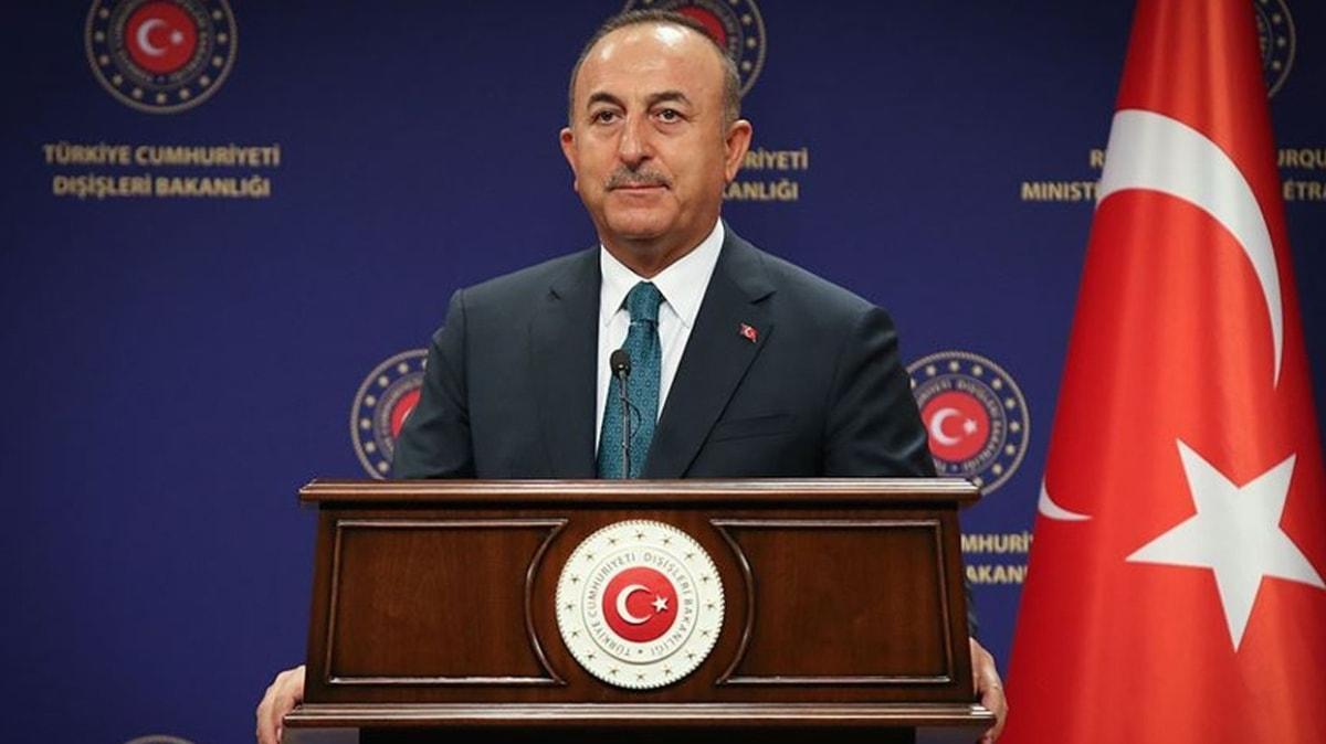Bakan Çavuşoğlu'ndan Ersin Tatar'a tebrik mesajı