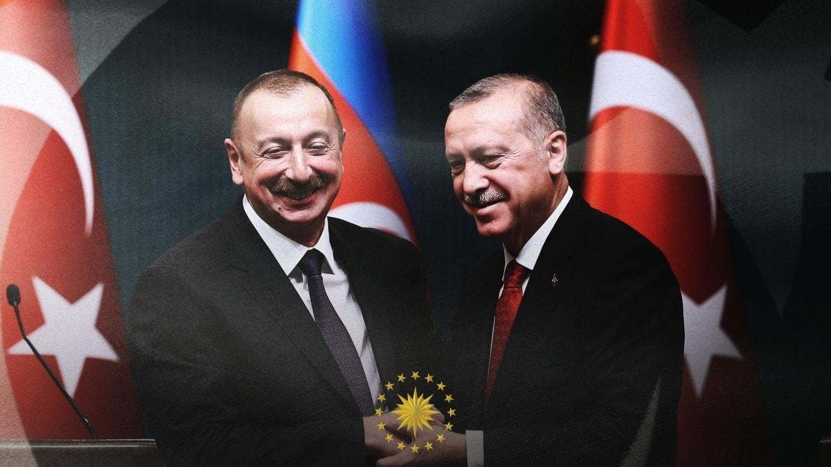 Başkan Erdoğan'dan Azerbaycan'a bağımsızlık günü mesajı: Kardeşlerimizin yanında olmaya devam edeceğiz