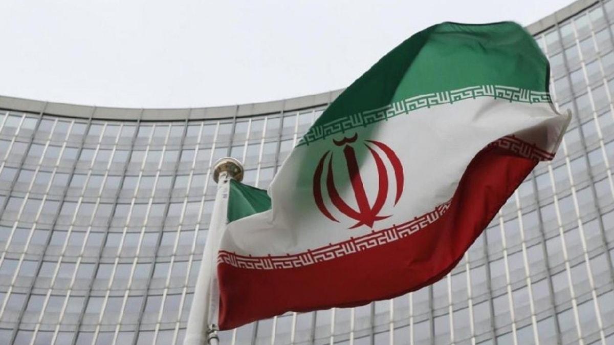 İran, BM'nin 13 yıldan beri uyguladığı silah ambargosunun kaldırıldığını duyurdu