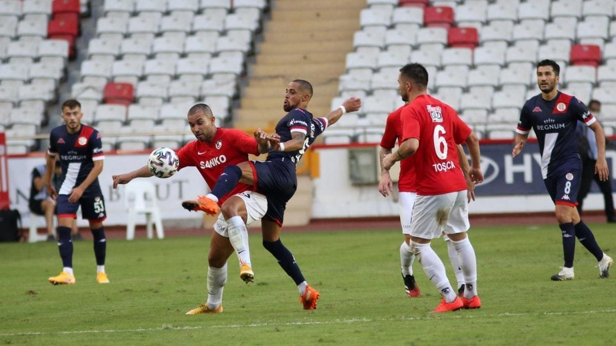 Olay maçta beraberlik var: 1-1