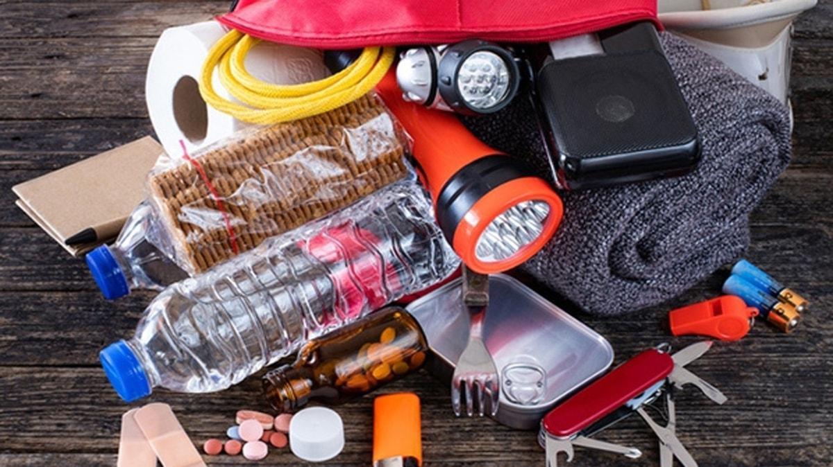 """Deprem çantası nasıl hazırlanmalı"""" Deprem çantasında olması gerekenler neler"""""""