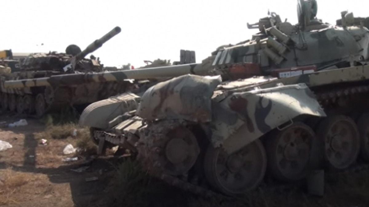 Azerbaycan, işgalci Ermenistan'ın mevzilerde bırakıp kaçtığı tankların görüntüsünü yayınladı