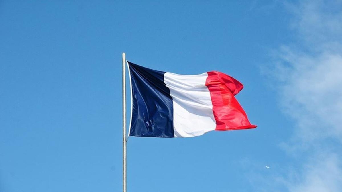 """Fransız Milletvekili Autain'den İslam karşıtlığı tepkisi: Bu ülke aklını mı yitirdi"""""""