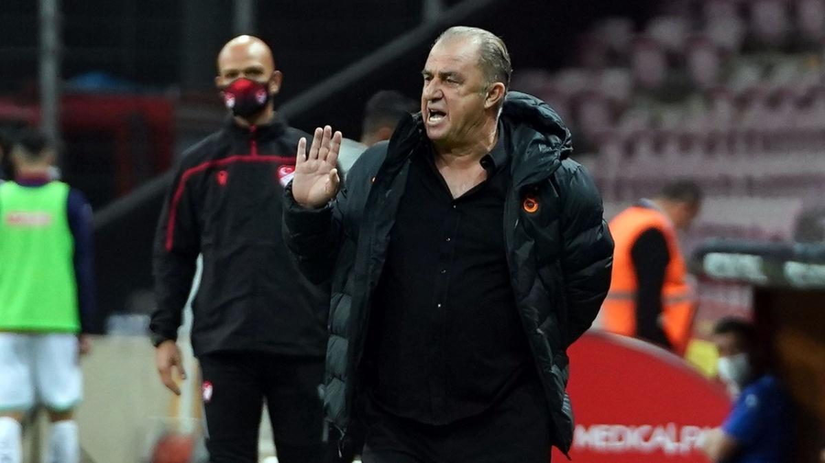 Galatasaray Erzurum maçında 3'lü sisteme geçiyor