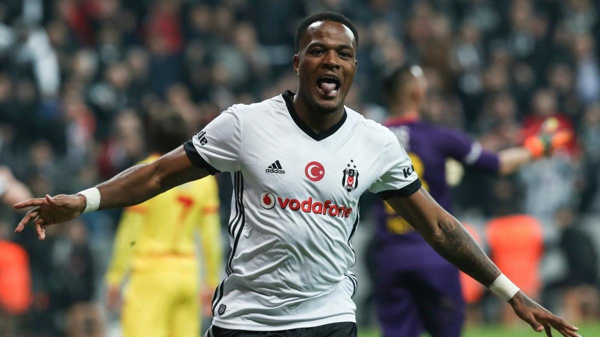Kanatsız kalan Beşiktaş'ta Larin sürprizi