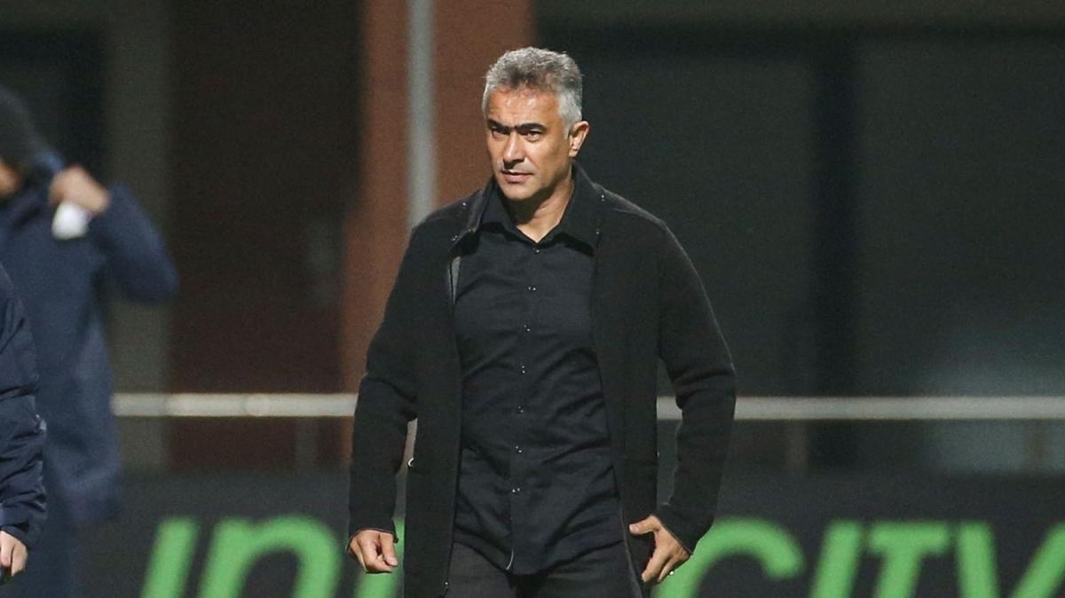 Mehmet Altıparmak: Maçı televizyondan seyredenlerden özür diliyorum
