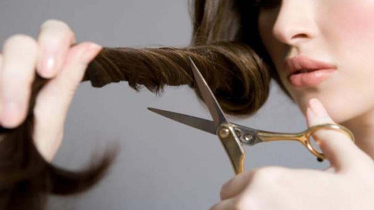 """Rüyada saç kesme ve görmenin anlamı nedir"""" Rüyada saç kestirmenin çarpıcı yorumu!"""