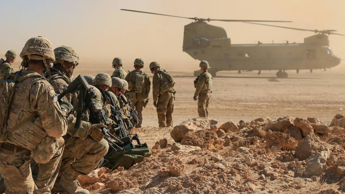 NATO'dan Afganistan kararı: Görev yapan asker sayısı 12 binin altına düşürüldü