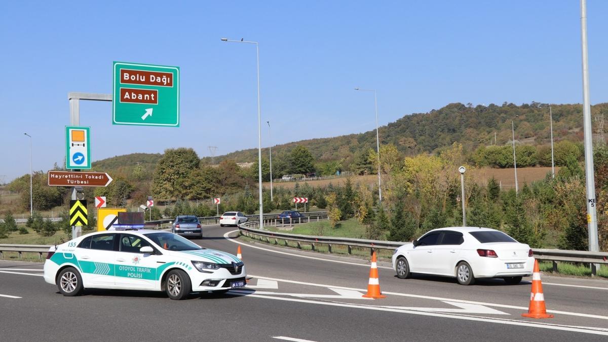 Anadolu Otoyolu Bolu Dağı Tüneli kesiminde yol çalışması nedeniyle yaklaşık 2,5 saat ulaşım sağlanamayacak