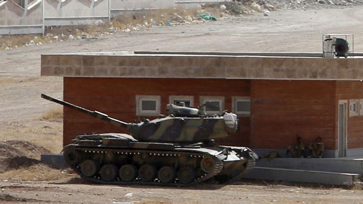İran'dan, Azerbaycan ile işgalci Ermenistan arasında çatışmaların yaşandığı sınıra askeri yığınak