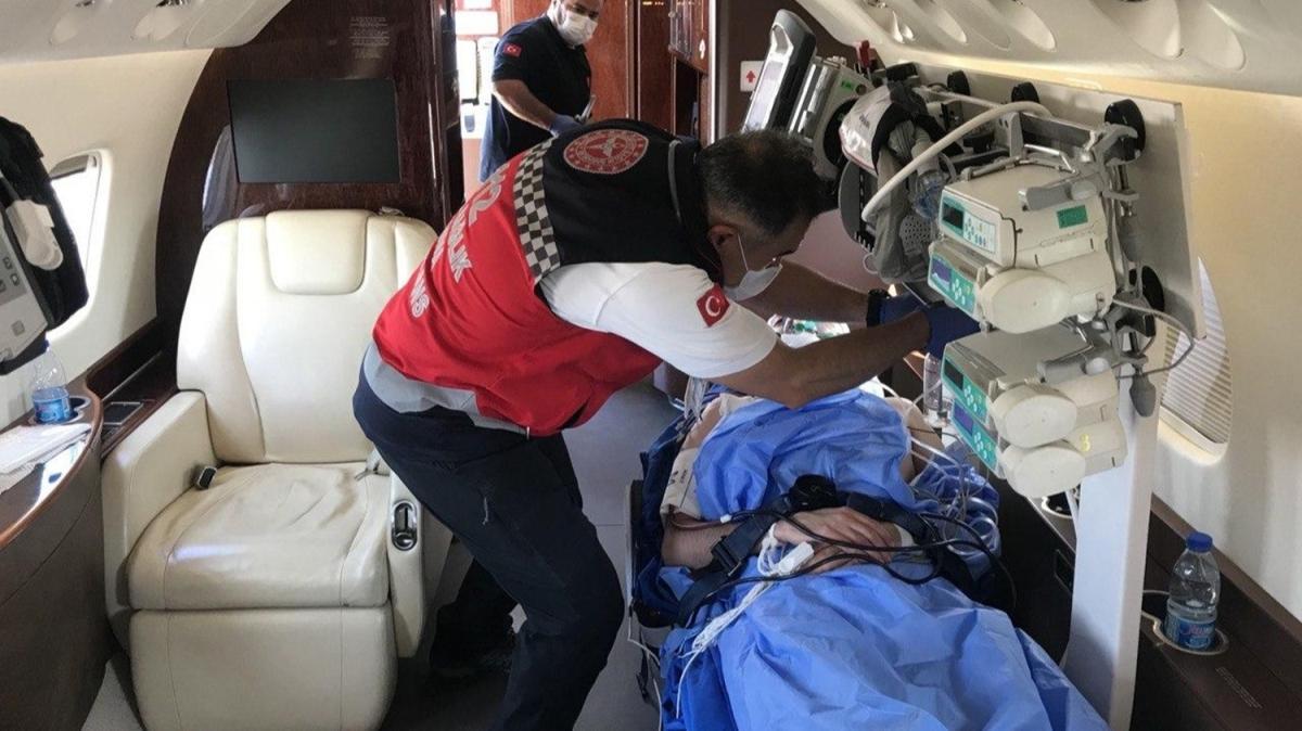Yemen'de silahlı saldırıya uğrayan Türk Kızılay yetkilisi Sağlık Bakanlığına ait ambulans uçakla Türkiye'ye getirildi