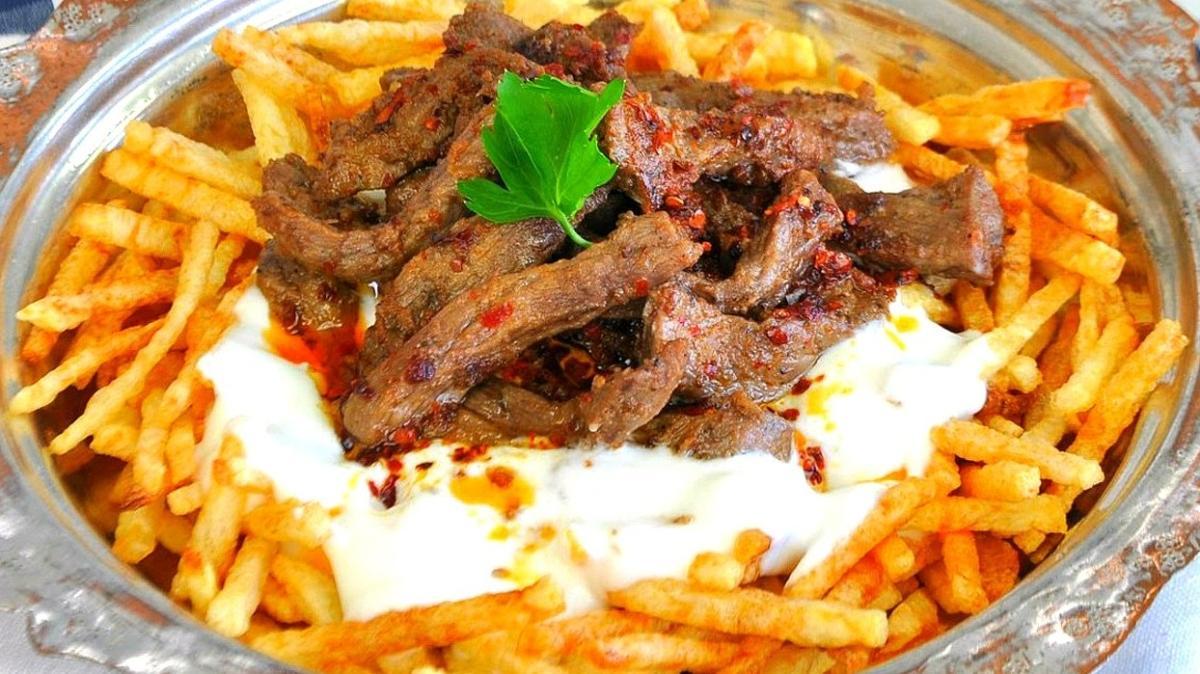 Akşam yemeğine pratik tarif: Çökertme kebabı! Patates çökertme kebabı tarifi